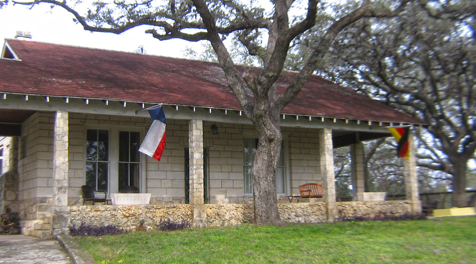 Hill Country Lodging - Menger Cottages