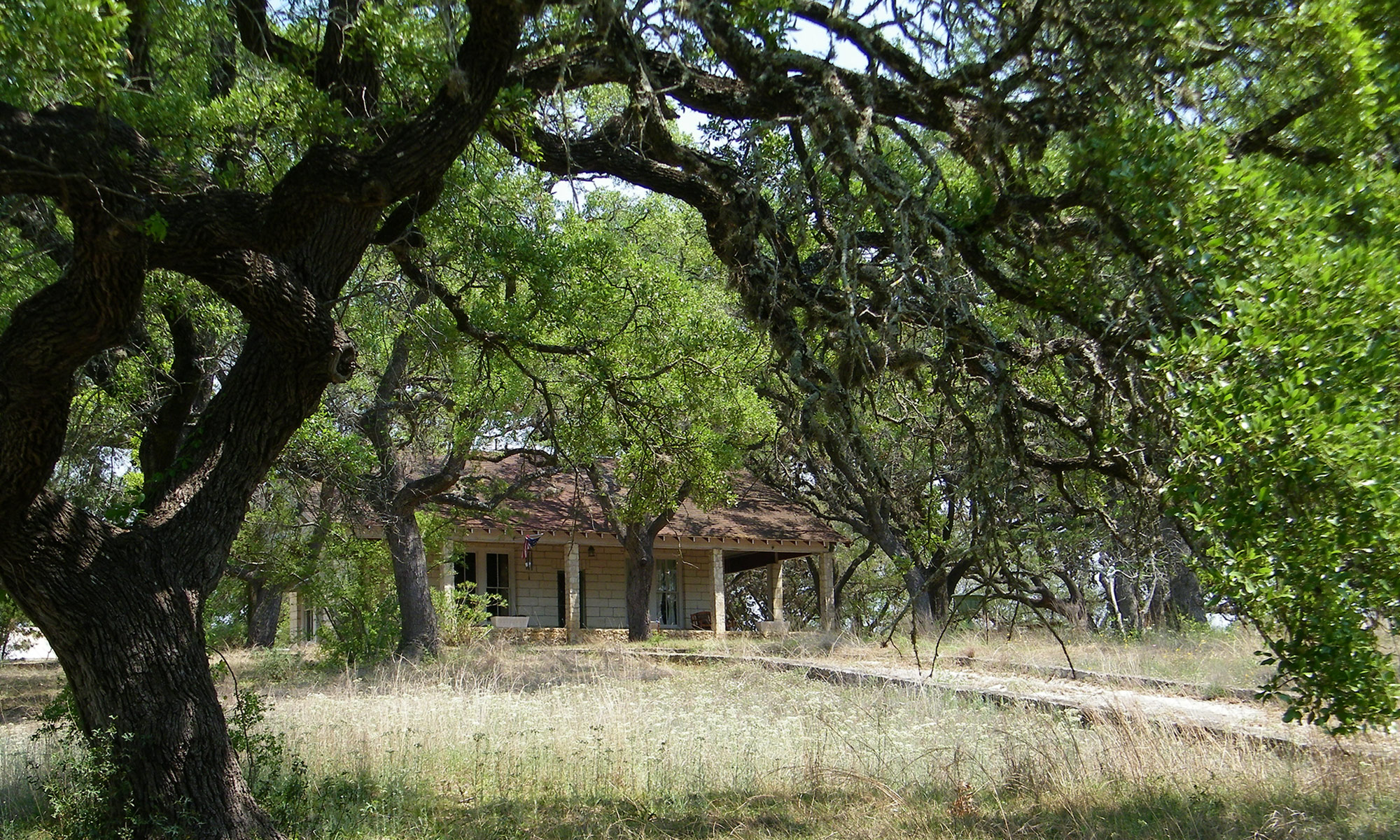 Menger Cottages - Texas Hill Country Getaway