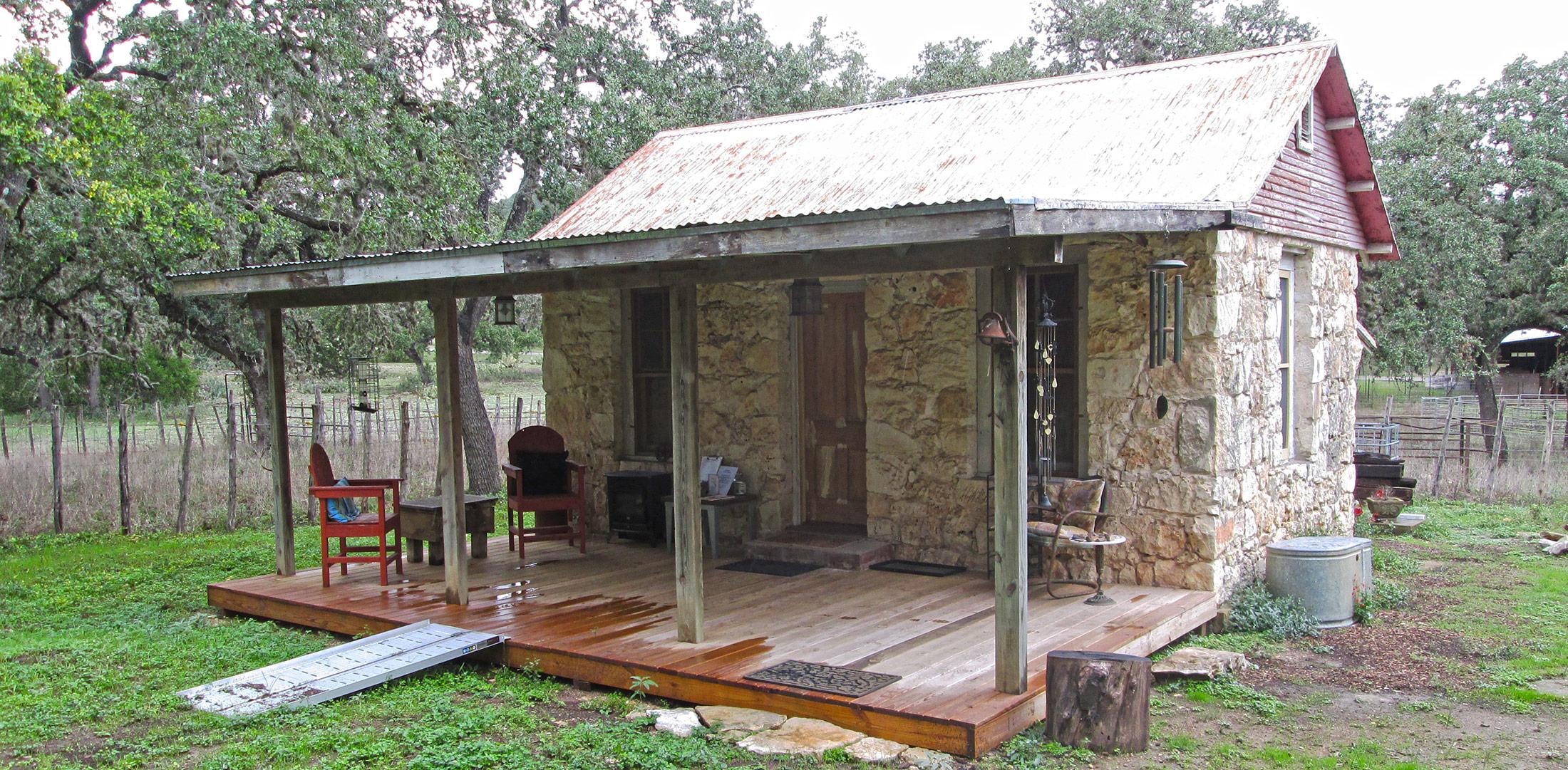 The Lodge - Menger Cottages - San Antonio Texas